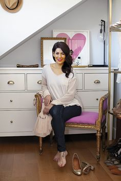 """I was craving a laneway house – I met the owners on Craig's List and I fell in love with the place,"" says Jillian Harris of her new rental home. Harris House, Creative Closets, Home Design Magazines, Jillian Harris, Vintage Romance, Women Lifestyle, Love Her Style, My Room, Home Deco"
