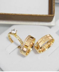 Engagement Rings Couple, Couple Rings, Cool Pencil Drawings, Wedding Rings Simple, Cute Jewelry, Ring Designs, Wedding Jewelry, Gold Rings, Sparkle