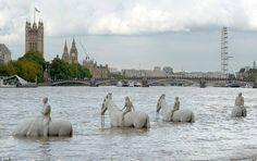 The Rising Tide di Jason deCaires Taylor sul Tamigi -Londra