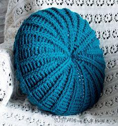 DIY Sand dollar crochet pillow - free crochet pattern // Kerek horgolt párna - ingyenes horgolásminta // Mindy - craft tutorial collection // #crafts #DIY #craftTutorial #tutorial