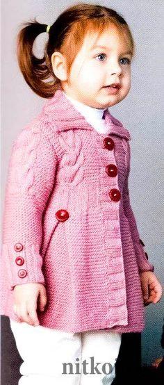 Вязаное пальто для девочки Más