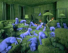 SANDY SKOGLUND Blue Dogs.Installation