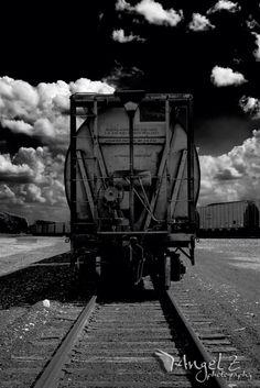 <3 trains ©Angel Zellich www.facebook.com/AngelZPhoto