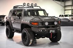 Discover recipes, home ideas, style inspiration and other ideas to try. Lifted Fj Cruiser, Fj Cruiser Off Road, Fj Cruiser Mods, Toyota Cruiser, Custom Fj Cruiser, 2014 Fj Cruiser, Toyota Tundra, Toyota 4x4, Toyota Trucks