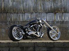 Yamaha Warrior custom, love the rake of the fork...