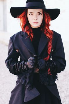 red hair + wide brimmed hats
