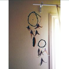 Мои маленькие летние развлечения  #dream #dreamcatcher #feathers #feather #tribal #handmade #vsco #vscocam