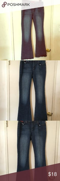 Guess jeans size 29 Guess jeans in good condition. Jeans are a size 29 Guess Jeans