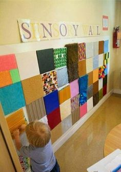 Sensory Wall shared by The EYLF Page . An inspiring idea for show and tell ~ send home a piece of cardstock.and on each childs' presentation day, voila! An artifact to add to the wall, and a discussion/ jumping off point.-I like the sensory wall. Sensory Wall, Sensory Rooms, Sensory Boards, Baby Sensory, Sensory Bins, Multi Sensory, Sensory Bottles, Sensory Board For Babies, Sensory Room Autism