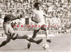 Tantissimi Auguri al Mitico Roberto Corti  (Treviglio, 28 ottobre 1952)  ⚽️ C'ero anch'io … http://www.tepasport.it/ 🇮🇹 Made in Italy dal 1952 #WEAREBACK