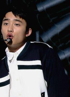 Do Kyungsoo gif Kyungsoo, Kai, Korean Pop Group, Chansoo, Exo Korean, Exo Do, Do Kyung Soo, Jung Jaehyun, Jaehyun Nct