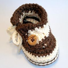 Crochet Pattern Baby Buttons and Bows Booties PDF 6
