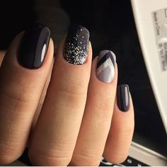 glam matte nails ideas with black nail art 21 ~ Modern House Design Shellac Nails, Diy Nails, Cute Nails, Pretty Nails, Nail Polish, Nail Nail, Dark Nail Designs, Nail Art Designs, Vernis Rose Gold