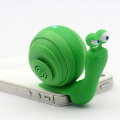 New Portable 3.5mm Audio Plug Mobile Phone Speaker 3.5mm Stereo Sound Snail Speaker With Dock Function.