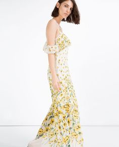 A Firsthand Account of Designing Clothes for Zara Pretty Little Dress, Little Dresses, Flower Dresses, Long Dresses, Zara Designer, Boho Dress, Dress Up, Zara Dresses, Dress Collection