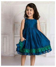 Girls Frock Design, Baby Dress Design, Kids Frocks Design, Baby Frocks Designs, Kids Dress Wear, Kids Gown, Little Girl Dresses, Girls Dresses, Kids Wear