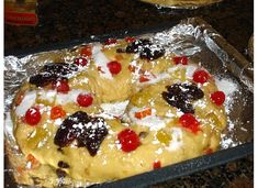It wouldn't be Christmas in Portugal without a Bolo Rei Around the Family Table. Some will even go as far saying there is no Christmas without Bolo Rei. This Bolo Rei Portuguese King Cake … Christmas Bread, Christmas Desserts, Holiday Treats, Holiday Recipes, Christmas Traditions, Broad Bean Recipes, King Cake Recipe, Cake Recipes, Dessert Recipes