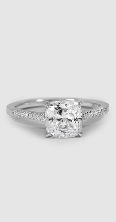 Classically elegant engagement ring