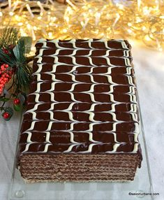cum se face cel mai bun tort rapid fara coacere cu ciocolata Romanian Desserts, Food Cakes, Cake Cookies, Tiramisu, Cookie Recipes, Deserts, Candy, Homemade, Chocolate