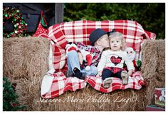 Country Living Christmas Theme Portrait Session www.shannonmariephillipslong.com