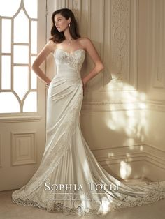 Sophia Tolli - Y11642 – Morrigan - I'm not sure whether this fabric would work on me but this is so pretty.  I like the lace.