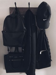 can u tell I like black Black And White Aesthetic, Black Love, Back To Black, Black Aesthetic Fashion, Catty Noir, Style Noir, All Black Everything, Shades Of Black, Color Negra