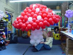 Ballon Decorations, Willy Wonka, Alice In Wonderland, Party Planning, First Birthdays, Balloons, Sculptures, Woodland, Stuffed Mushrooms