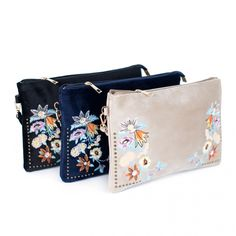 Price: Women's stylish handbag with a flower pattern will help you charm your surroundings. It´s ideal as a part of spring outfit. Measurements: 28 x 19 cm Material: polyester Price: Handbag Patterns, Summer Bags, Elegant Woman, Knitting Yarn, Flower Patterns, Spring Fashion, Coin Purse, Fashion Accessories, Seen