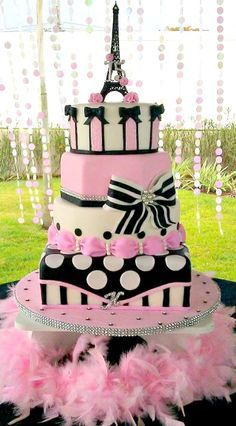 Birthday Cake Pink Black Paris Theme 42 Ideas For 2019 Sweet 16 Cakes, Cute Cakes, Pretty Cakes, Awesome Cakes, Sweet Sixteen Cakes, Paris Themed Cakes, Paris Cakes, Paris Birthday Parties, Paris Party