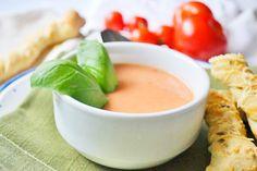 Dieses Rezept ist vielseitig verwendbar, denn sie können die #Tomatensuppe warm oder kalt servieren.