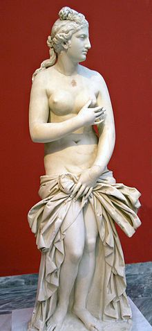 Capitoline Venus: Another variant, a 2nd-century CE copy of a 4th-century BCE original by Praxiteles, at the National Archaeological Museum, Athens.