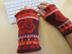 Ravelry: Roses are Red pattern by Alice in Wolland