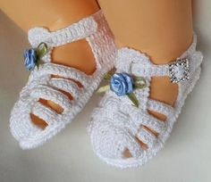 Sandália de bebe de crochê