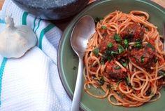 Soijarouhepyörykät tomaattikastikkeessa