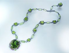 Wallace-Chan_Necklace_The-Chest-of-Treasures-by-Wallace-Chan