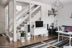 portaikko,portaat,tv-taso,senkki,50-luku