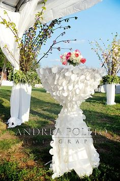 make a Hi Boy table look POSH? Add Petal linens from Resource One, exclusively at Posh Couture Rentals Wedding Stage, Wedding Events, Dream Wedding, Wedding Day, Weddings, Cocktail Table Decor, Cocktail Tables, Reception Decorations, Event Decor