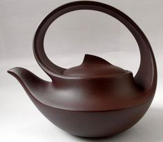 A functional work of art. More 陳忠琦. A functional work of art. More 陳忠琦. A functional work of art. More 陳忠琦. A functional work of art. Pottery Teapots, Ceramic Teapots, Ceramic Clay, Ceramic Pottery, Pottery Art, Teapot Design, Teapots And Cups, Pottery Designs, Chocolate Pots