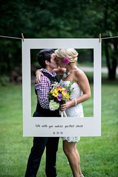 Photo Frame Idea, Cute Lesbian Wedding Ideas, http://hative.com/cute-lesbian-wedding-ideas/,
