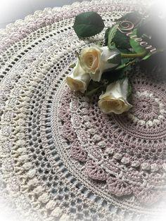 Ravelry: Queen pattern by Lifestyle By Ella /Elisabeth Laitila Free Crochet Doily Patterns, Crochet Mandala, Crochet Doilies, Crochet Ideas, Thread Crochet, Crochet Yarn, Crochet Hooks, Willow Wood, V Stitch