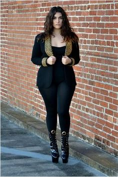 Nadia curvy fashion blogger - great body and wonderful fashion sense! Love everything but the boots... They look kinda like hooves from this angle