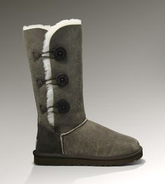 UGG Womens Bailey Button Triplet Bomber - kind of want to add these to my collection. Ugg Shoes, Shoe Boots, Shoe Bag, New Uggs, Ugg Bailey Button, Ugg Slippers, My Collection, Bearpaw Boots, Ugg Australia