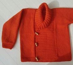 Mi profesora, Carmen, le ha hecho a sus sobrinas unas preciosas chaquetas. Como quiero hacérselas durante el verano a mis nietos pequ...