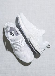 Technology Evolution - Tendance Chausseurs Femme 2017 – Nike Air Presto: White… For women to achieve equality in the new digital world they have to conquer technical work, seize the technology. Dr Shoes, Cute Shoes, Me Too Shoes, Shoes Sneakers, Golf Shoes, Roshe Shoes, Nike Free Shoes, Running Shoes Nike, White Nike Shoes