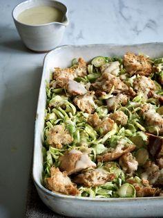 Cæsarsalat - med rosenkål Kung Pao Chicken, Potato Salad, Scampi, Potatoes, Parmesan, Bacon, Ethnic Recipes, Food, Life