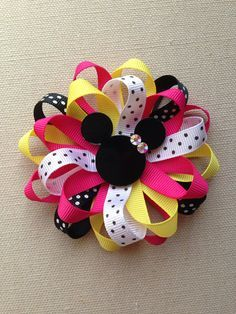 Discover thousands of images about Minnie Mouse Hair Bow! A Disney inspired Mickey hair bow is great for ALL ages! Complete with genuine swarowski crystal! Making Hair Bows, Diy Hair Bows, Diy Bow, Hair Ribbons, Disney Bows, Disney Mickey Mouse, Minnie Mouse, Ribbon Art, Ribbon Crafts