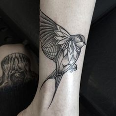 Ou un oiseau. | 49 idées sublimes de tatouages noir et gris
