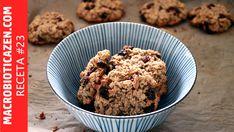 En apenas 10 minutos vamos a preparar un snack o postre macrobiótico muy saludable. Es una receta de galletas de avena crujientes con pasas, sin azúcar, sin harina y sin chocolate. Saludables y macrobióticas. Tampoco usaremos huevo ni mantequilla. Repito, son saludables! Y están riquísimas! No hace falta usar
