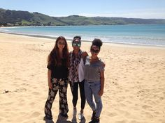 Gals and a midget. Apollo Bay is like Derbyshire meets Australia with the beautiful green hills and crystal clear waters. #apollobay #australia #gor #greatoceanroad #melbourne #derbyshire #travellerlife #ilovelife  by aaliyahsiobhan