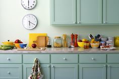 Kitchen Color Schemes: Avoiding Kitschy Colors
